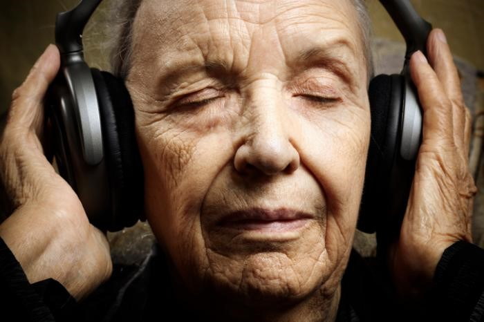 Music and singing benefits in dementia patients